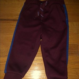 Old navy toddler boy joggers. Size 18-24 month.